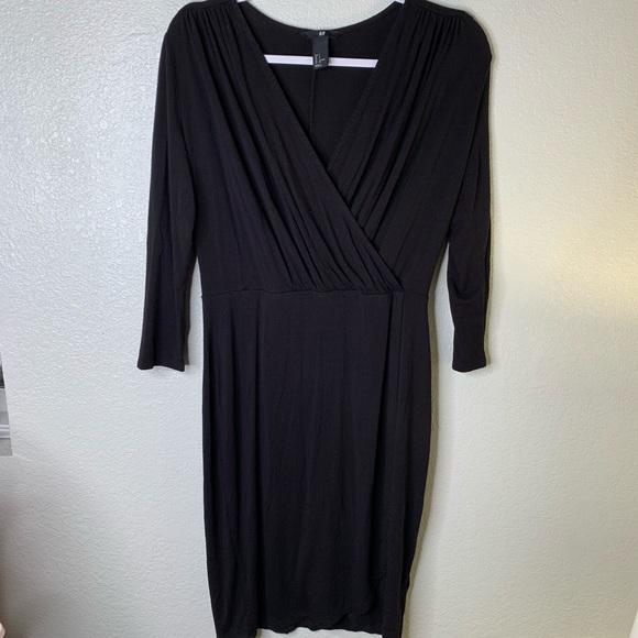 H&M Dresses & Skirts - H&M black LS dress